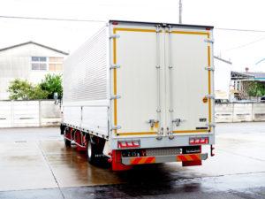 吉澤運送のトラック